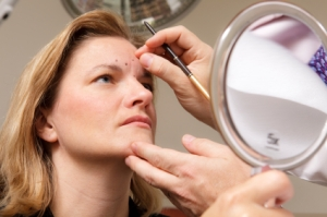 cosmetic surgery, plastic surgery, look younger, botox injections, facelift, eyelid surgery